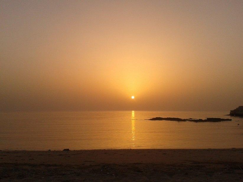 puesta de sol en oman